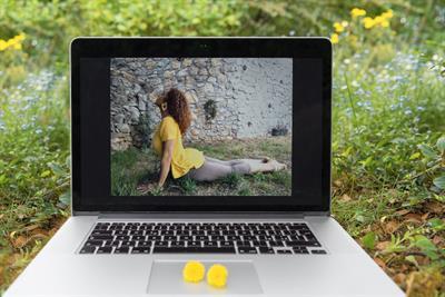 Lezioni di Yoga e Rieducazione corporea online - mensile