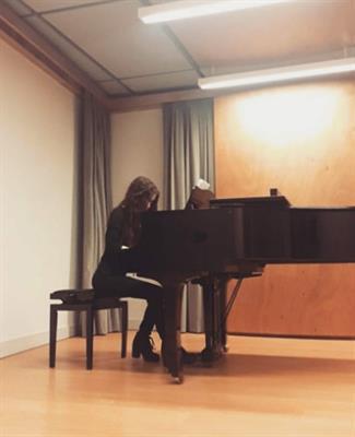 Laureata in pianoforte