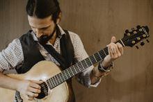 Lezioni di Chitarra (Diplomato Saint Louis College of Music)