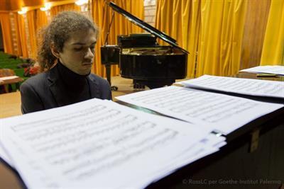 Lezioni di pianoforte, solfeggio e composizione anche online